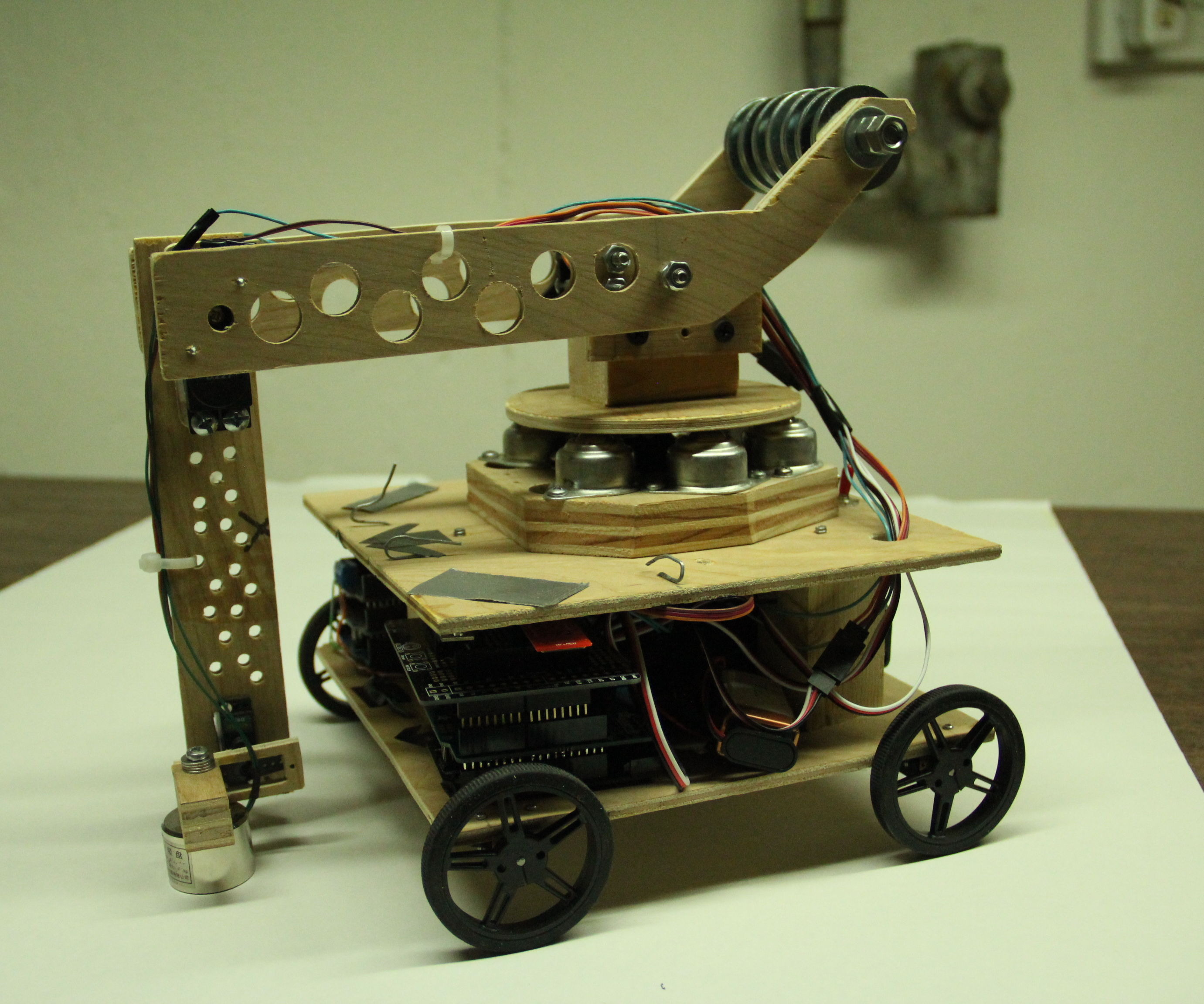 Robo-Mobile - A Homemade Bluetooth Robot