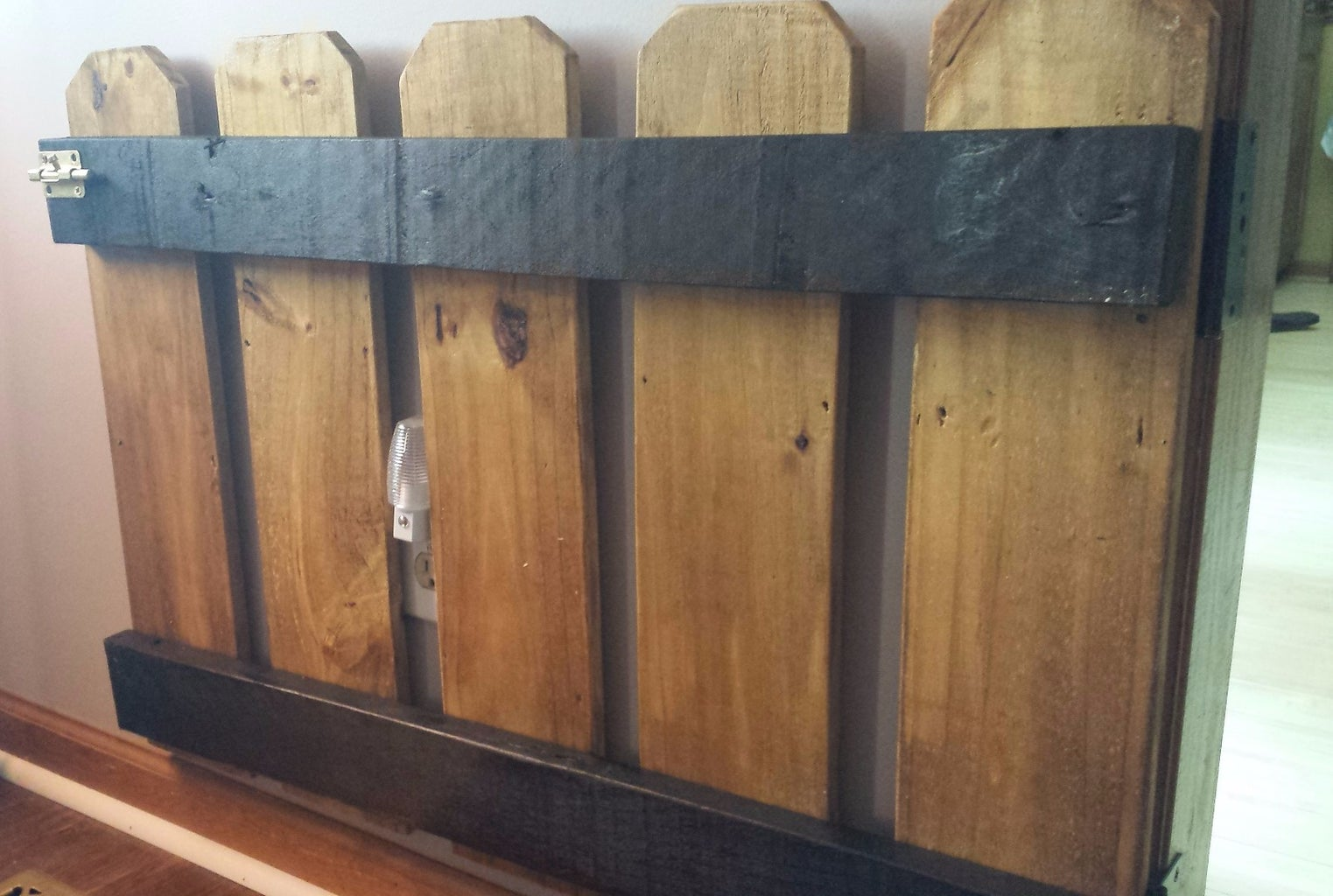 Baby/Pet Gates From Pallet Wood: Super Easy!!