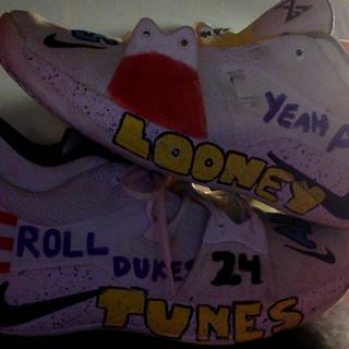 How to Customize Kicks (Paint Shoes) the Mofoz Visualz Way