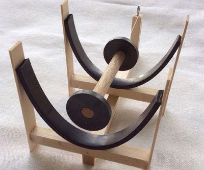 Magneeto Floating Wheels (from ScienceKitShop.com)