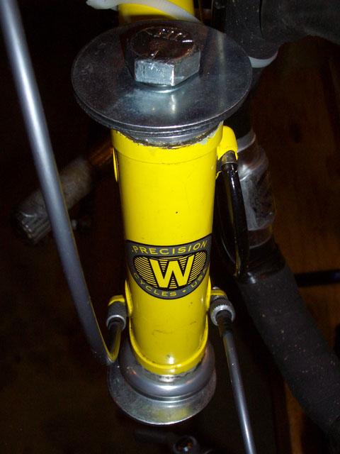 Install a headset in a bike