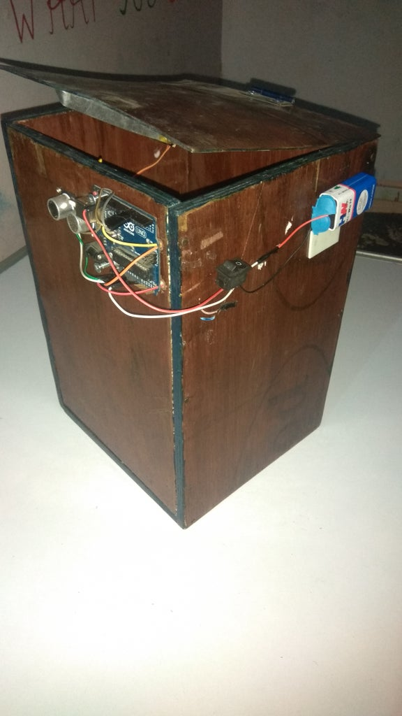 Smart Dustbin With Using Arduino
