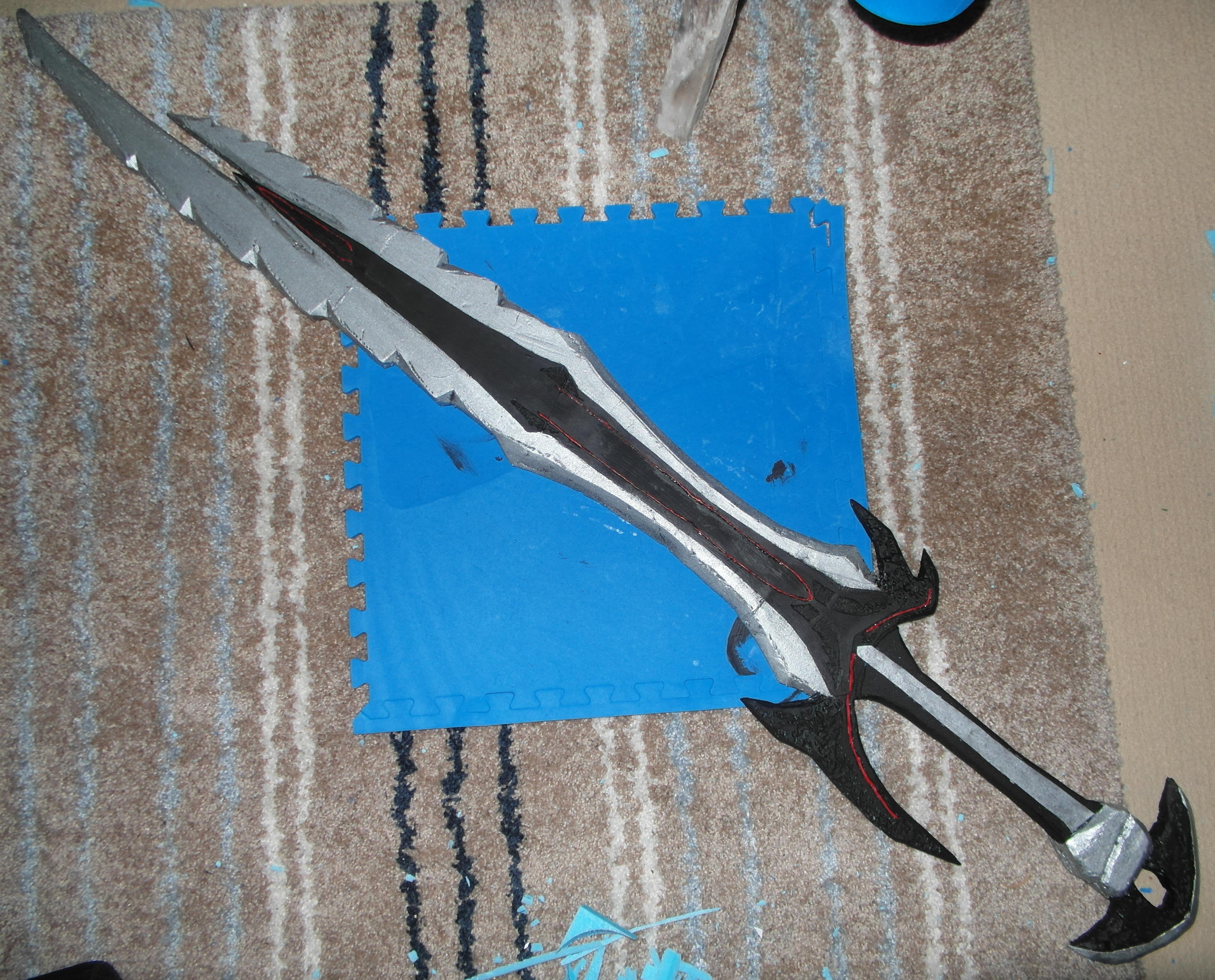 6ft long Skyrim: Daedric Great Sword.