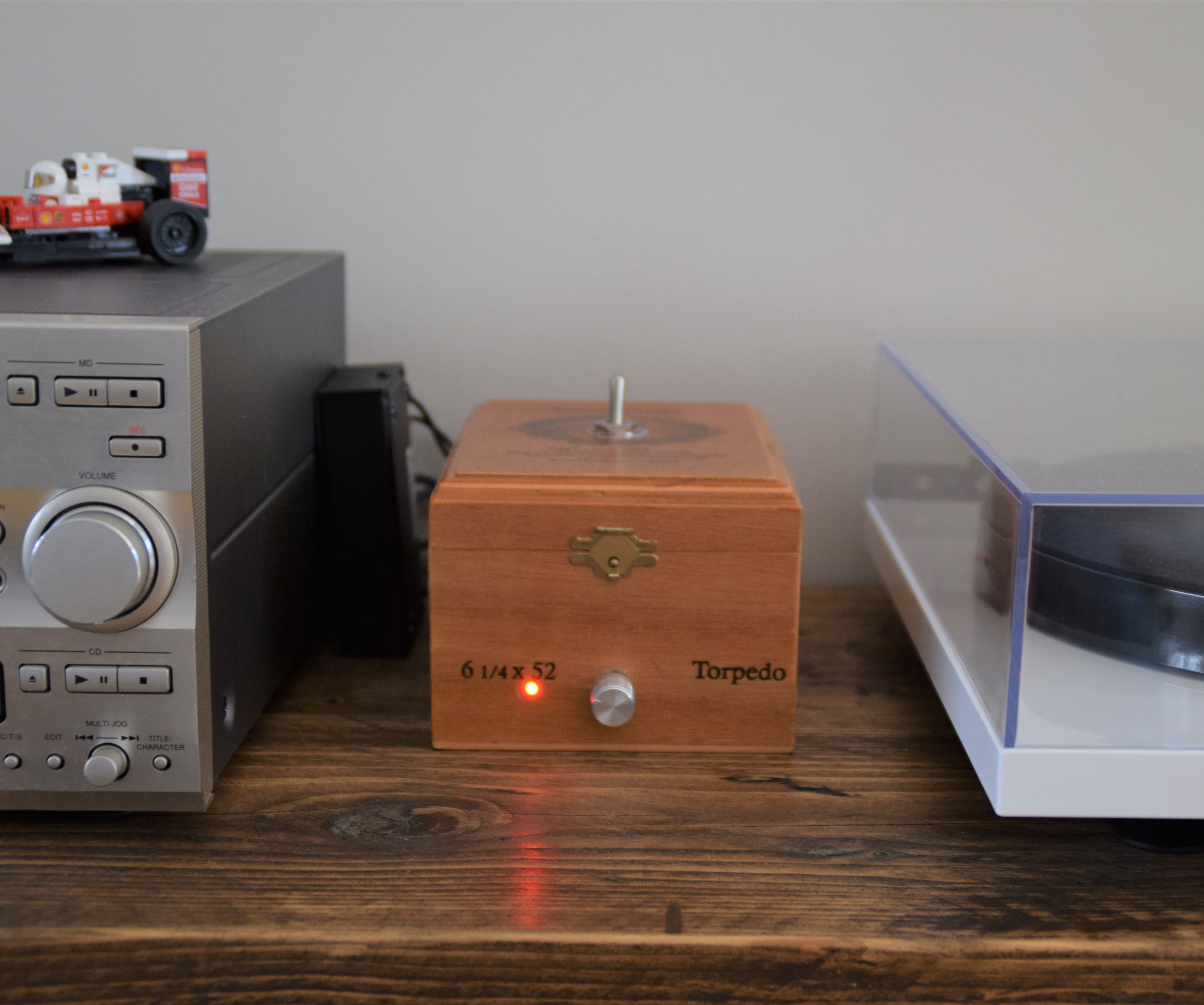 Two Amps Share a Pair of Speakers (Bluetooth Amp + Isolation Switch)