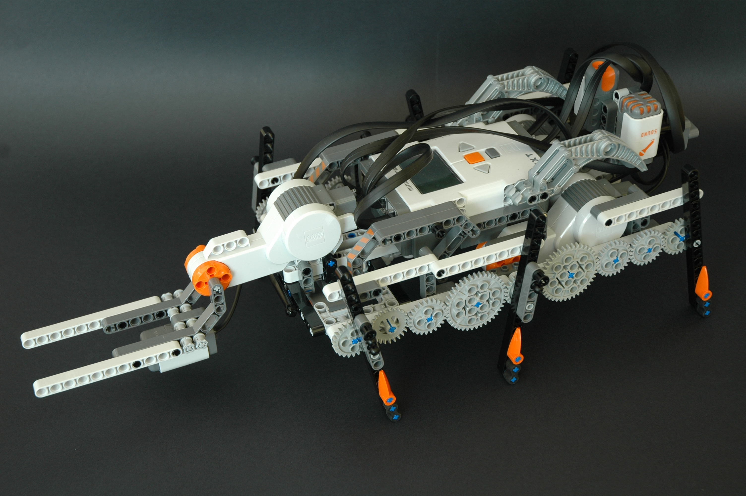 How to build a Lego Mindstorms NXT hexapod robot?
