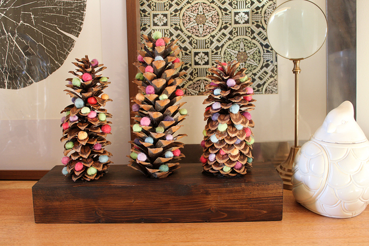 Holiday DIY: Pinecone trees with felted wool