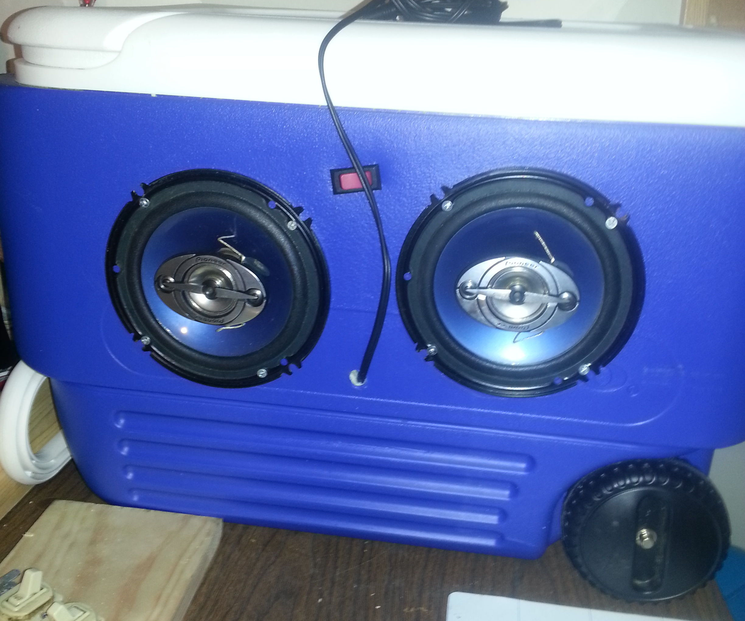 12 Volt portable stereo