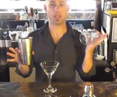 Cocktail Training - Different Methods of Straining Cocktails