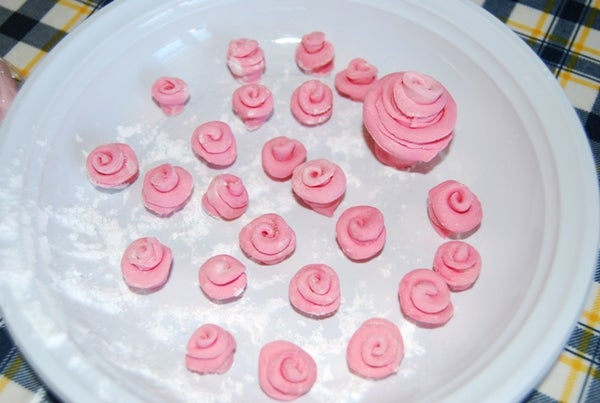 Cake Decoration With MMF