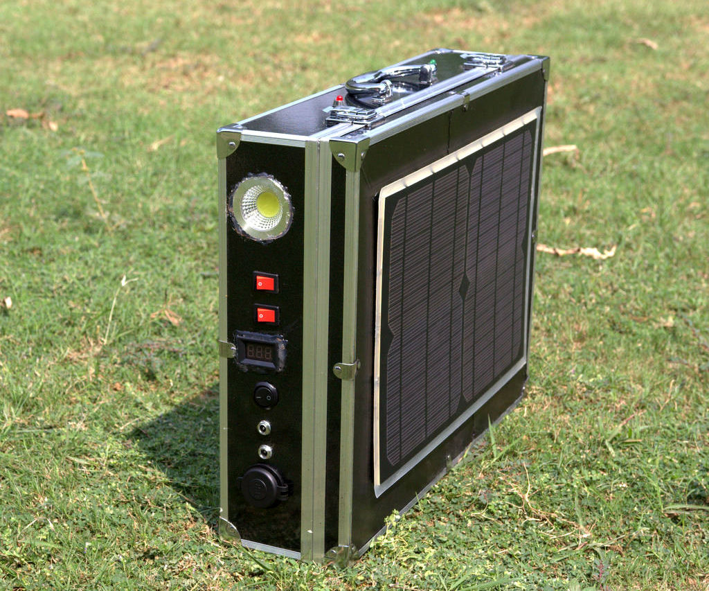 DIY All in One Solar Power Pack