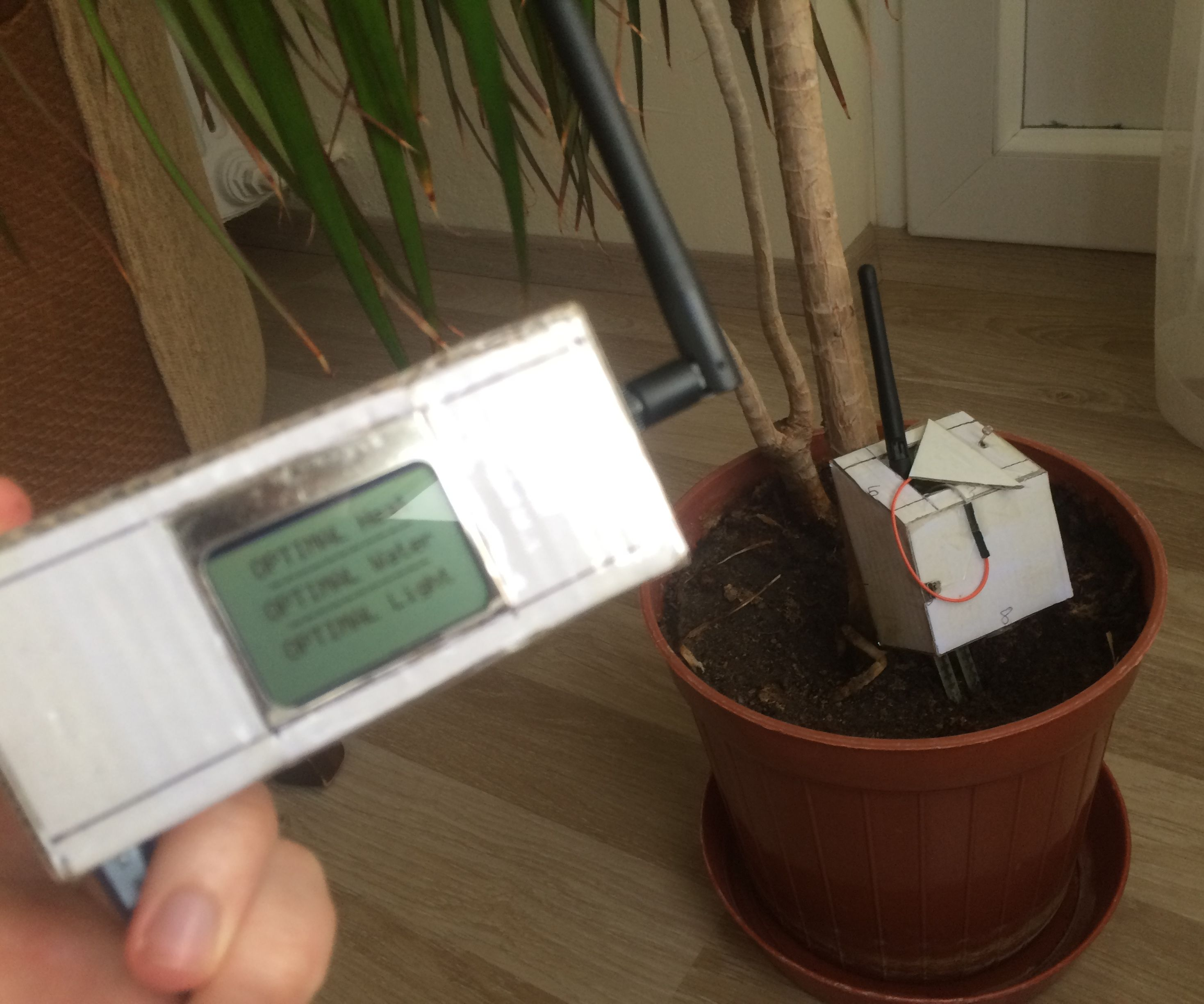 Nrf24l01 With 5110 and 3 Sensor ''Plantation Controller'' With Arduino