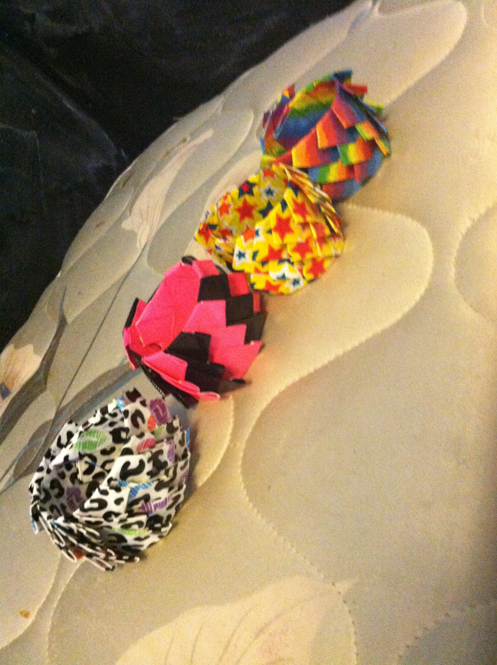 How to make a duct tape petal bracelet