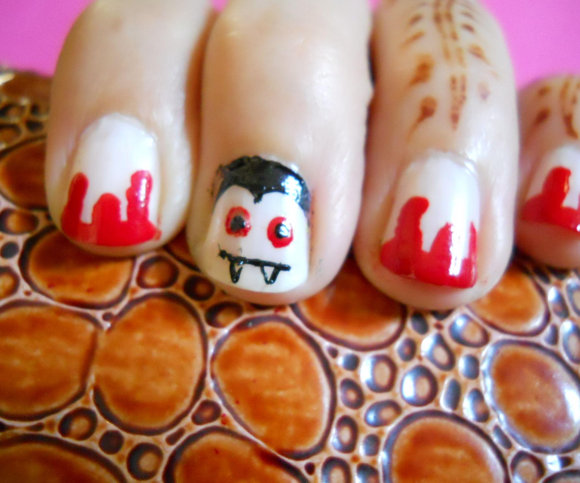 Simple Dracula nail art