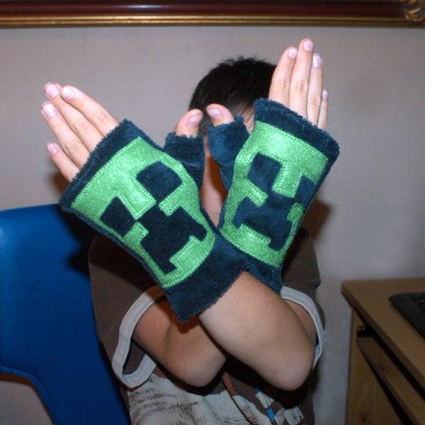Minecraft Creeper Fingerless Gloves Pattern