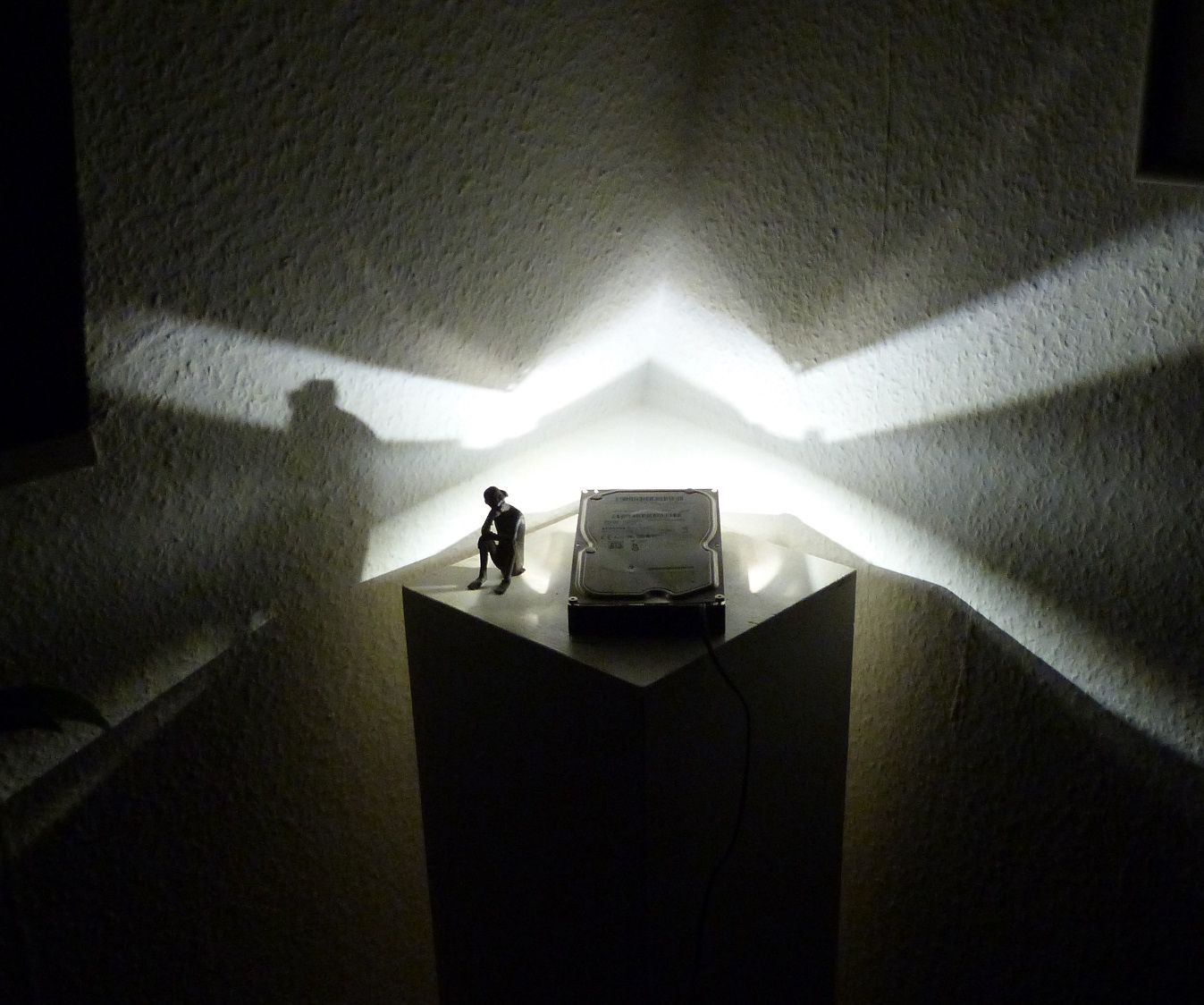 Craft a futuristic room light upcycled out of an old hard disc drive