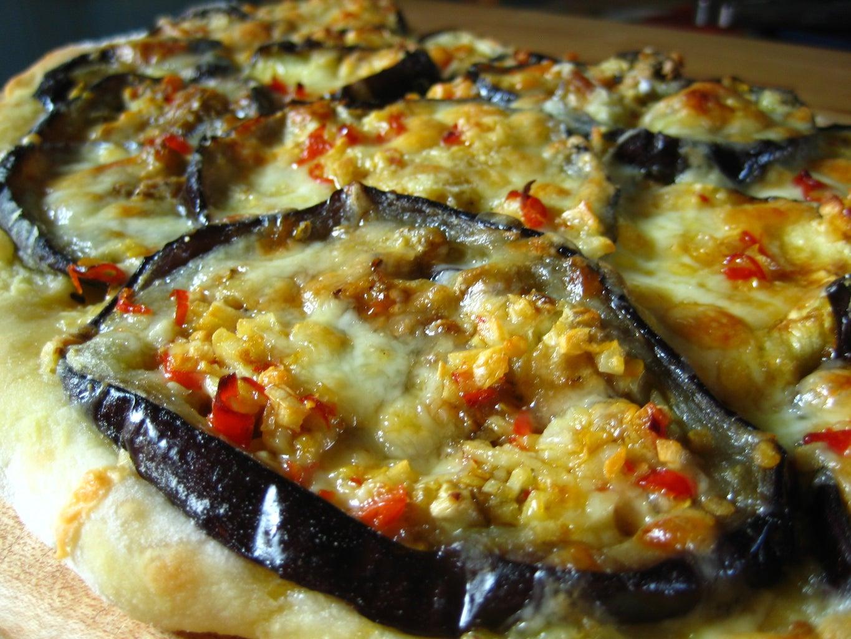 Homemade Spicy Eggplant Pizza