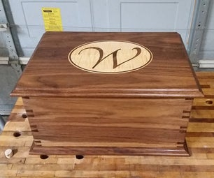 Dovetailed Walnut Box With Curly Maple Inlay