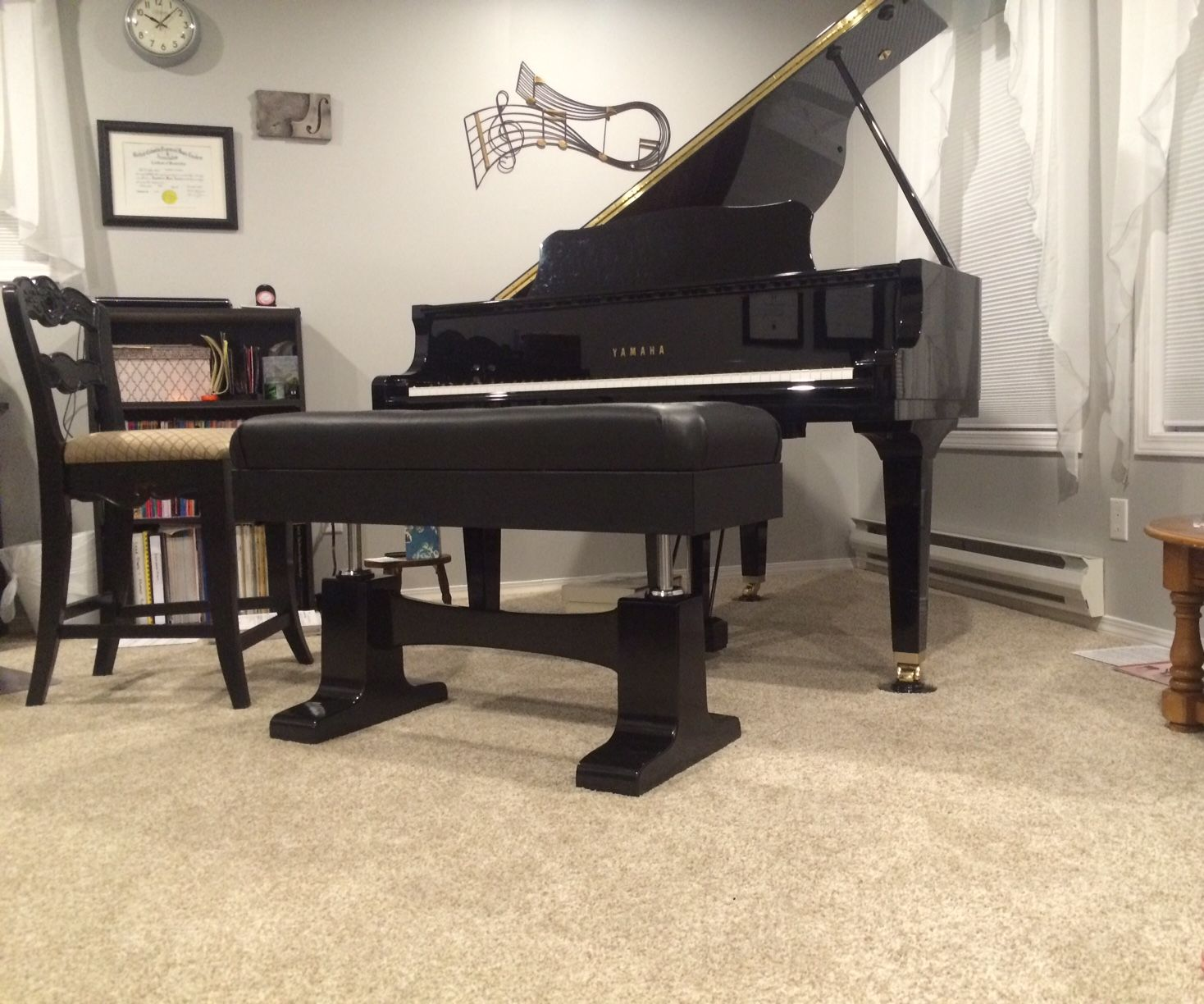 Pneumatic Adjustable Piano Bench