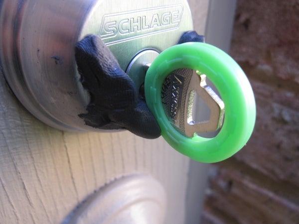 Sugru a Lock Finder ('V' Lock)