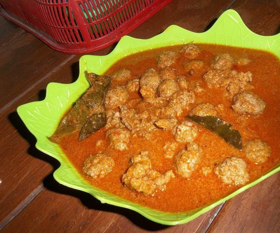 Bola-bola Daging Pedas (Spicy Meatballs)