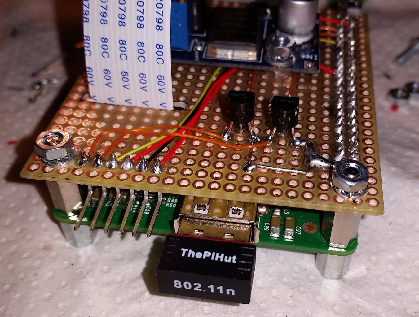 Build a Board for the Supply Converter and the Control of Leds