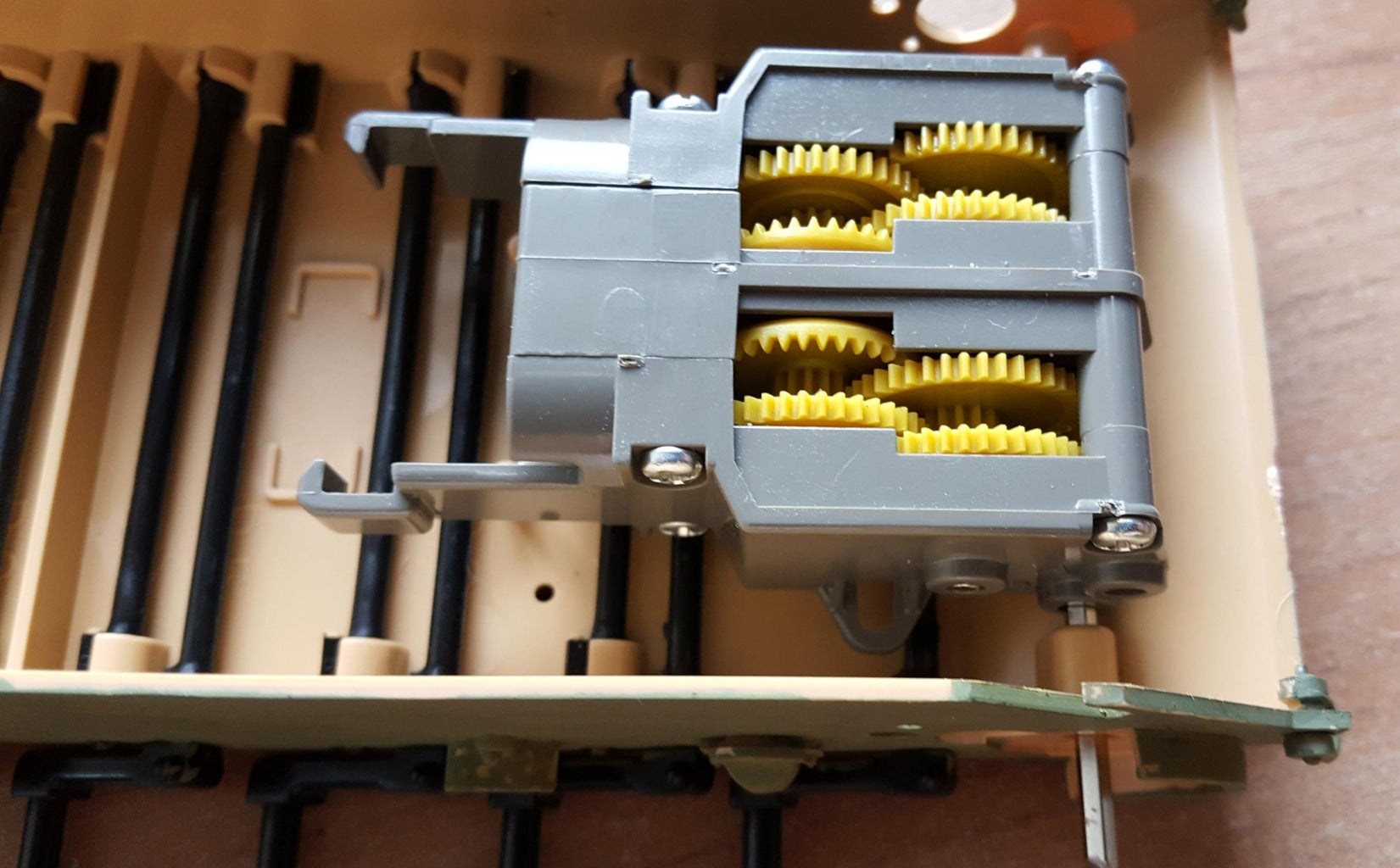 Fitting Twin Motor Gearbox.