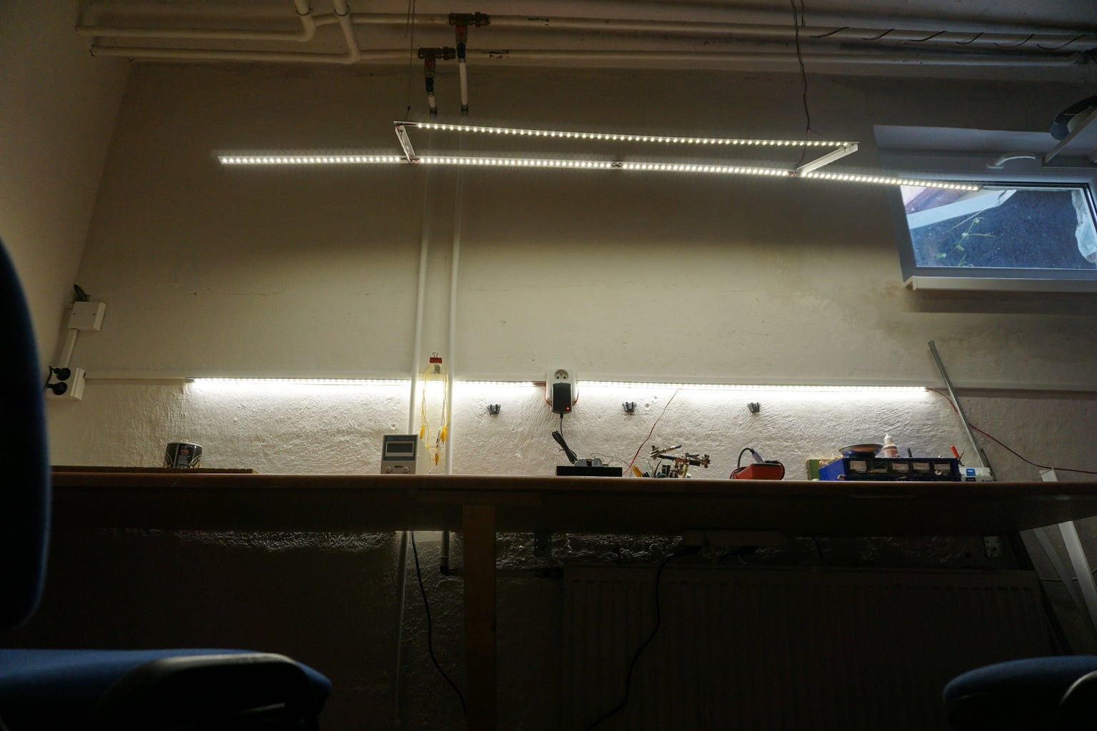 Cheap and Simple LED Lamp