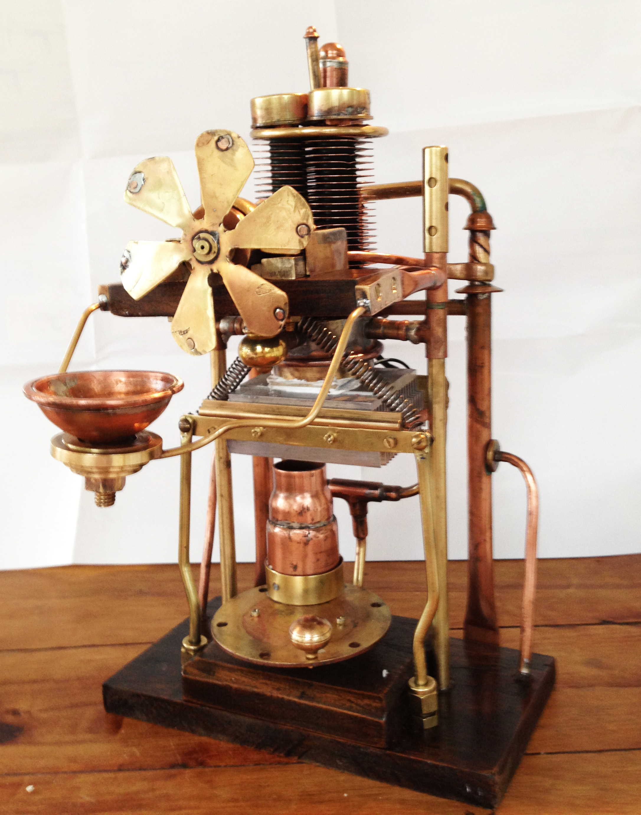 Steampunk Reverse Peltier Machine (aka The electro-mechanical room freshener)