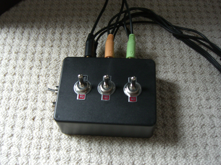3.5mm 5.1 Surround Sound Switch / Splitter Box