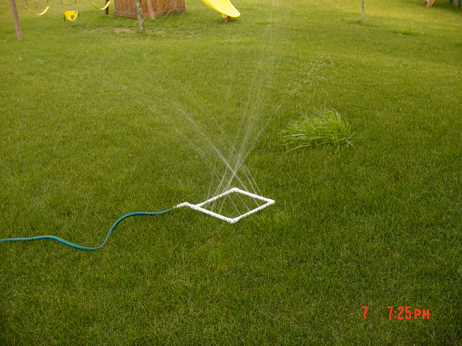 Homemade water sprinkler