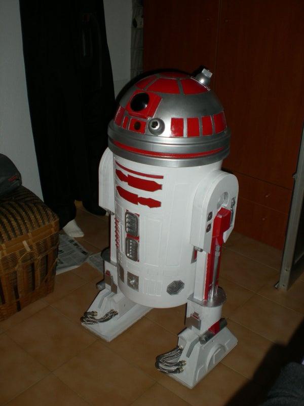 R2, Trash