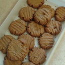 Easy 3 Ingredient Peanut Butter Cookies
