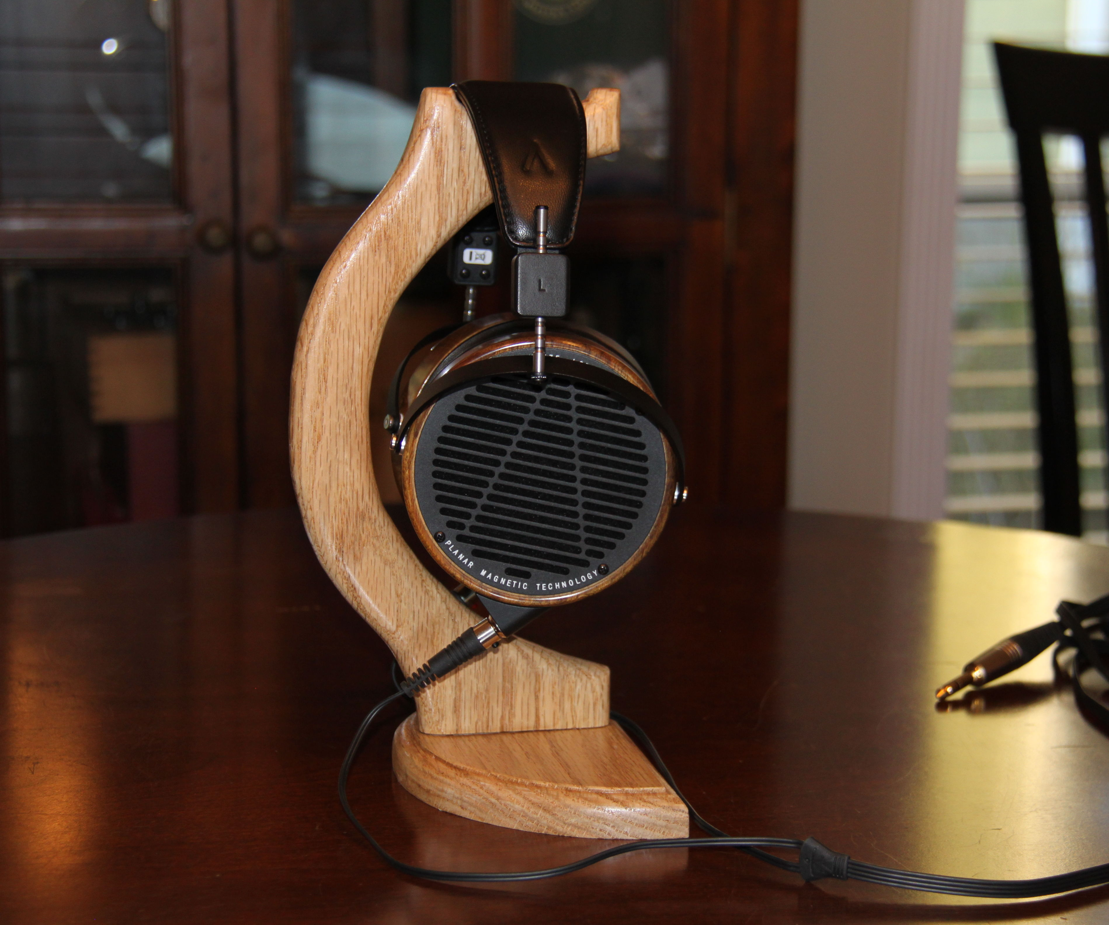 Hardwood Headphones Stand Designed for Large Headphones