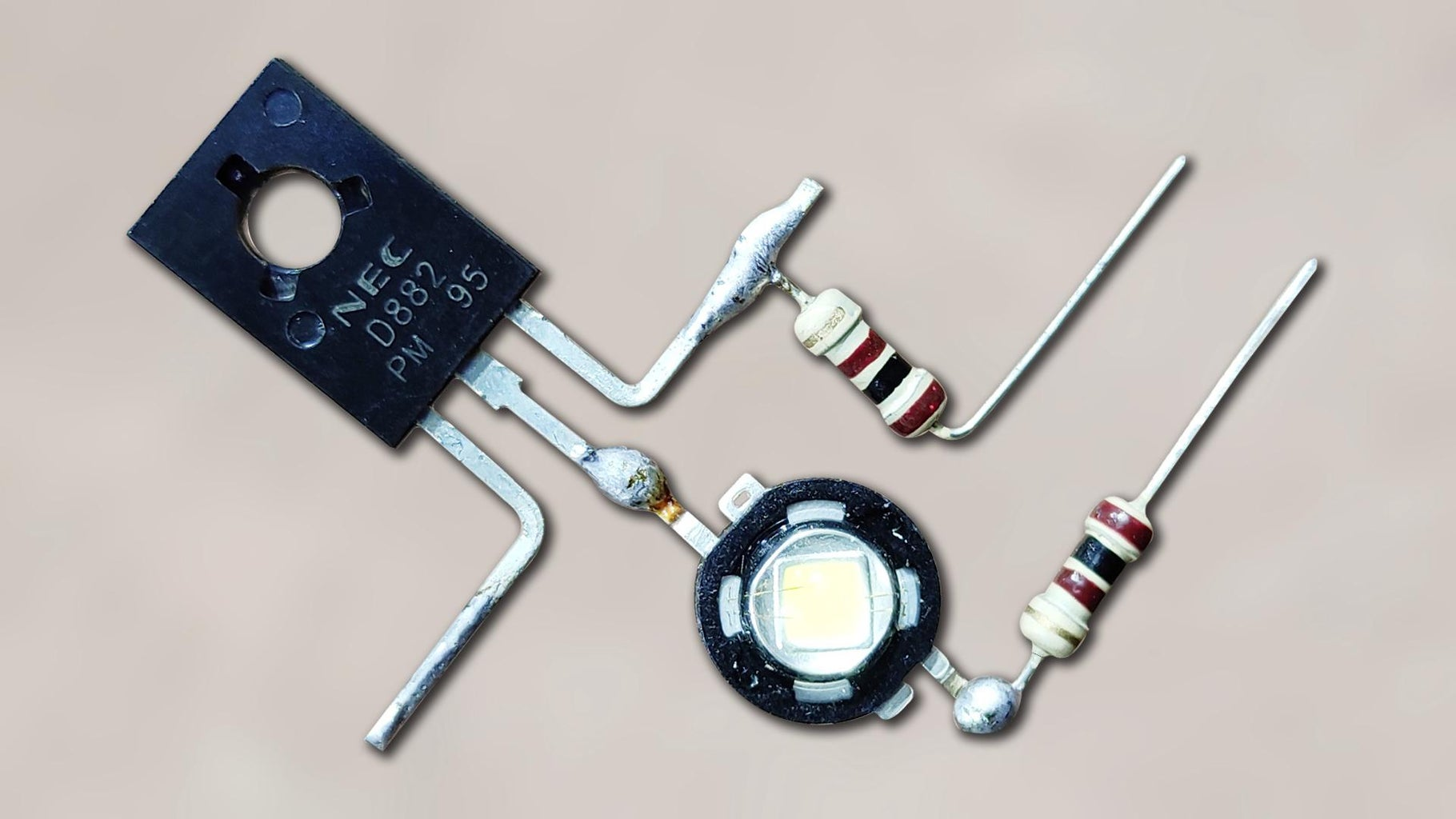 Top 3 Awesome Electronics Project Using D-882 Transistor