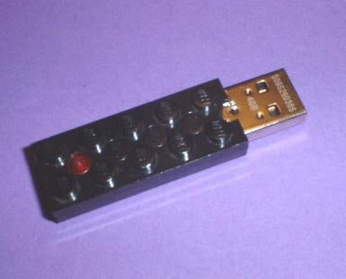 Compact Lego USB Stick