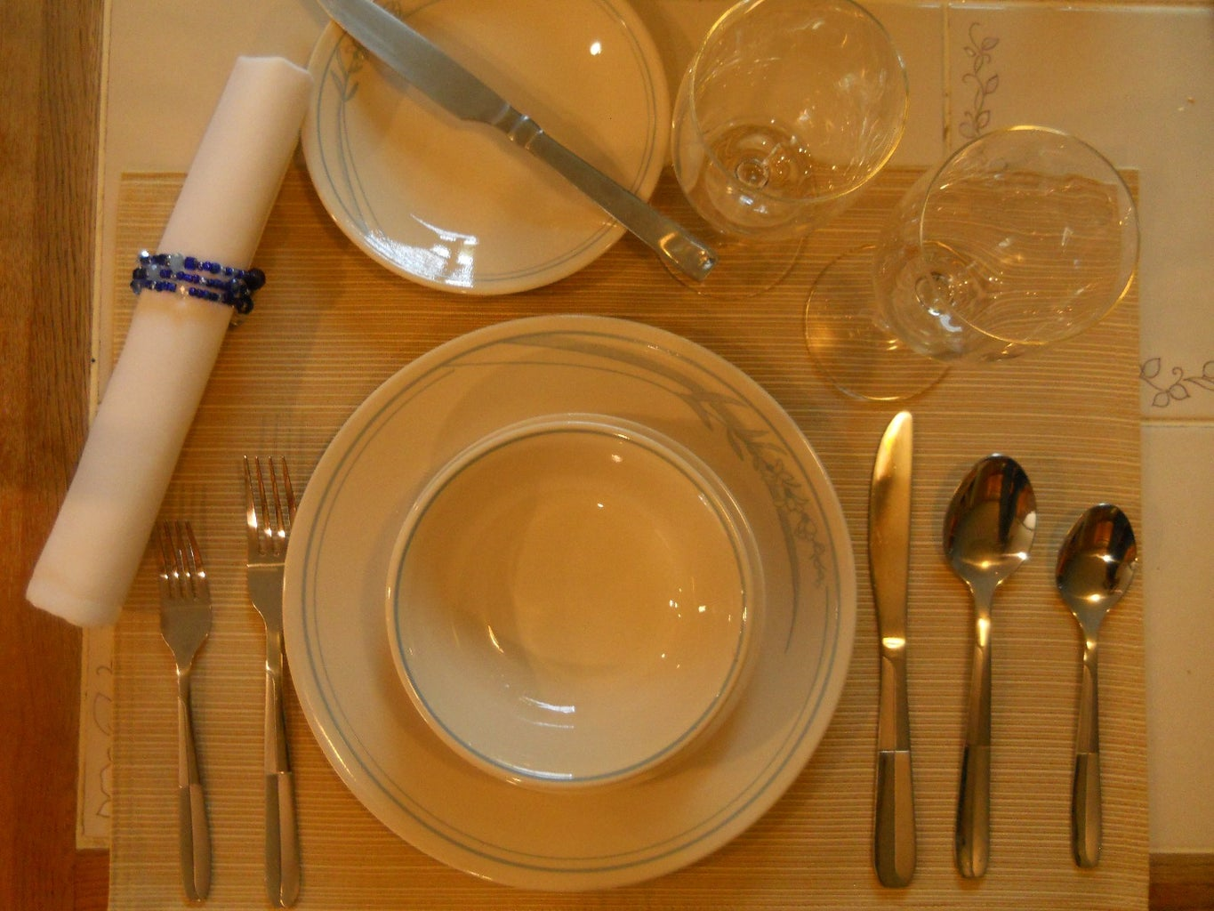 The Basic Kitchen: Guide to Place Settings