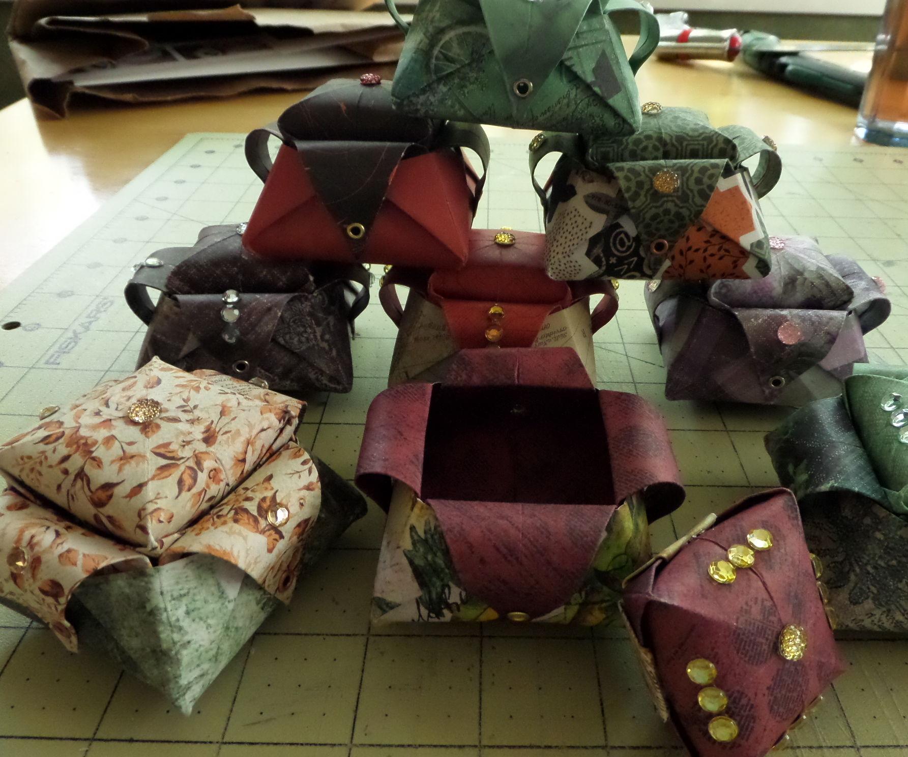 Decorative Origami Gift Box: Part 1, the Box