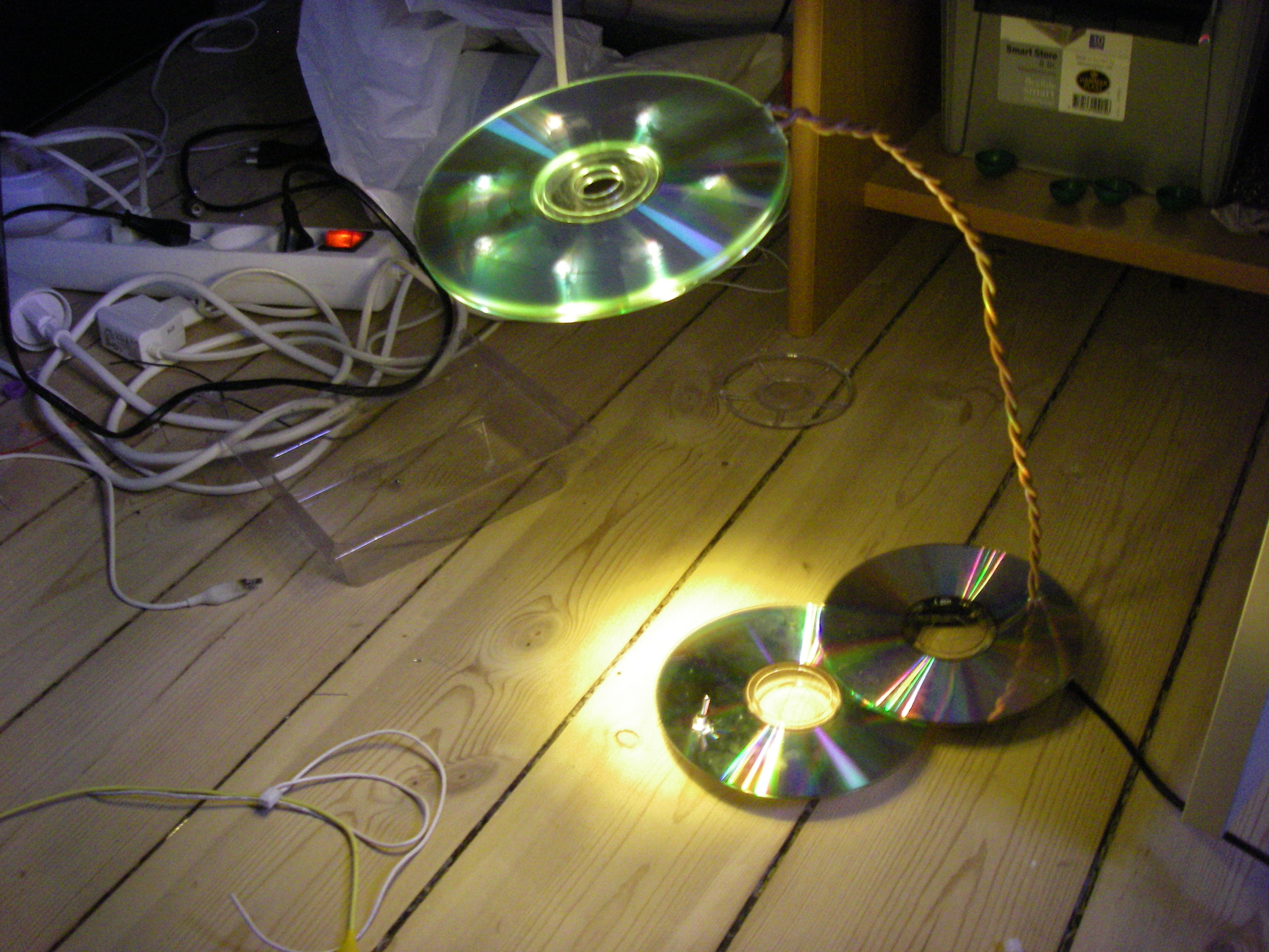 The USB powered LED CD lamp