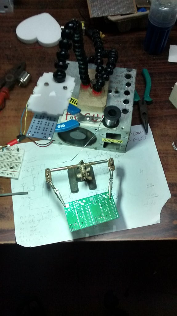 DIY Desk Lamp for Soldering