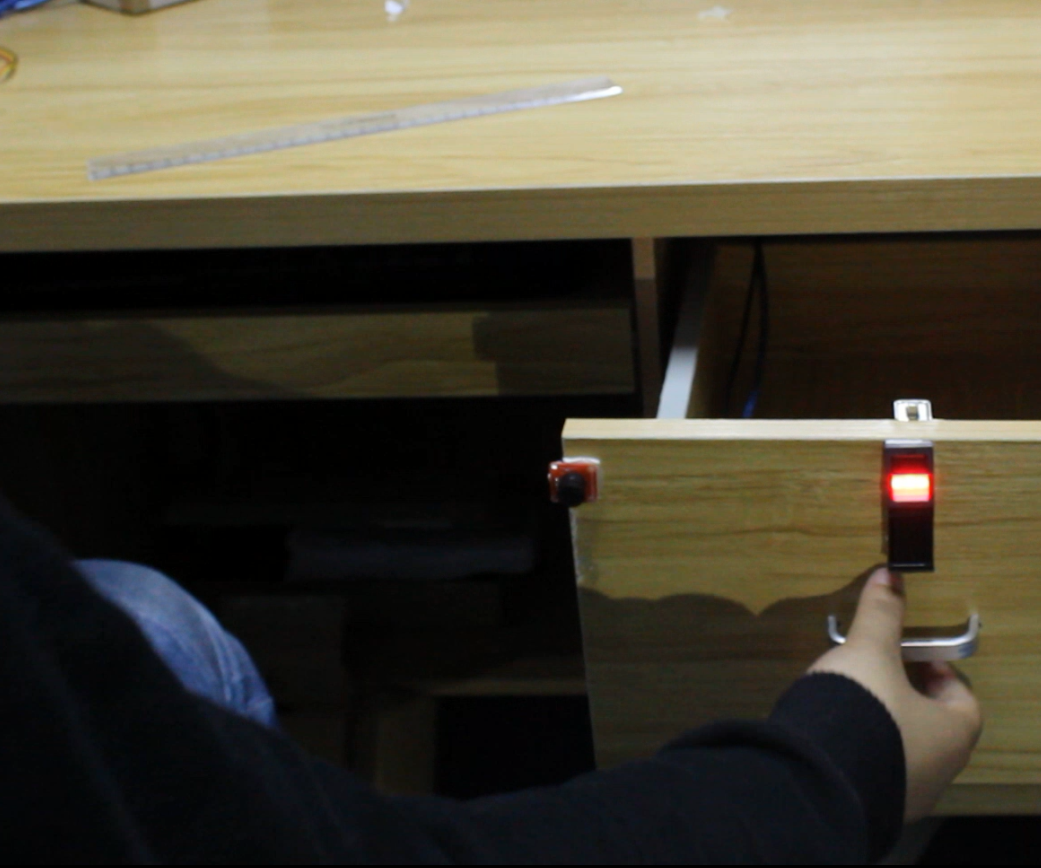 Electric fingerprint lock- Arduino compatible