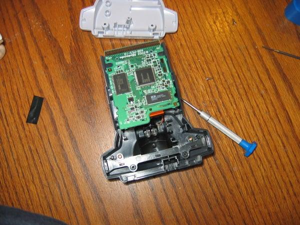 Take Apart Nintendo Stuff With a Flat Head Screwdriver!