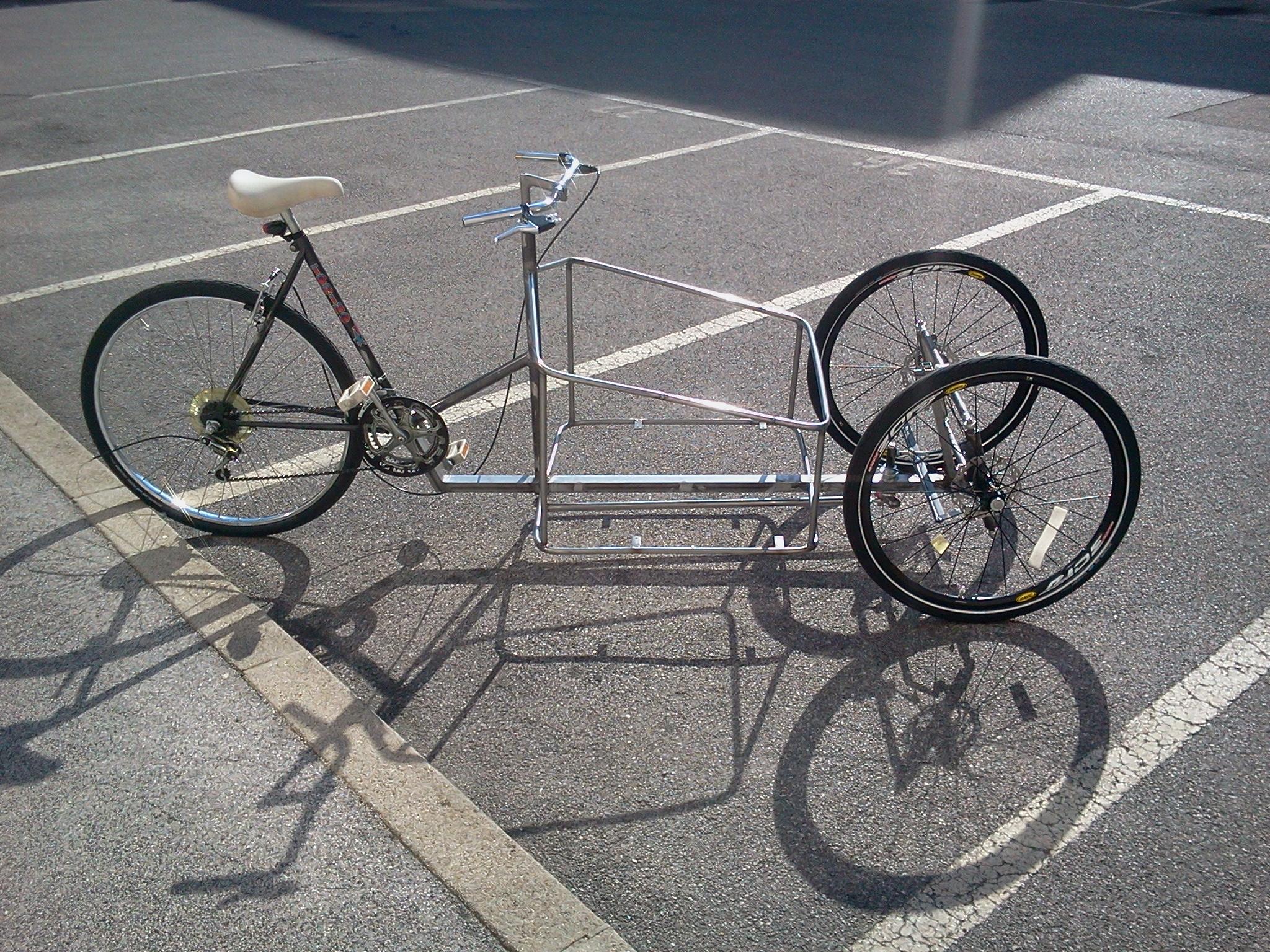 fail: a full tilting 3-wheeled cargo bike
