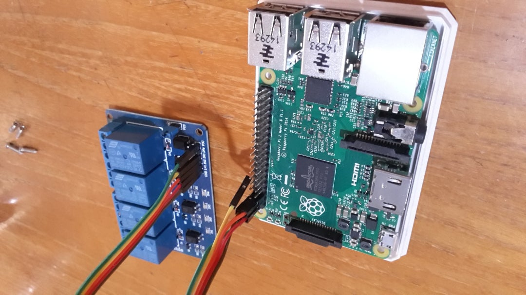 Python Script, Html File and Connection Raspberry Pi and Relay Module