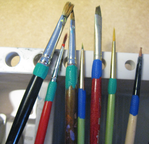 Save Your Paint Brushes - Sugru Brush Hack