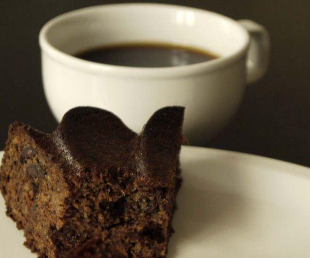 Gluten-Free Sugar-Free almond butter banana cake with dark chocolate chips