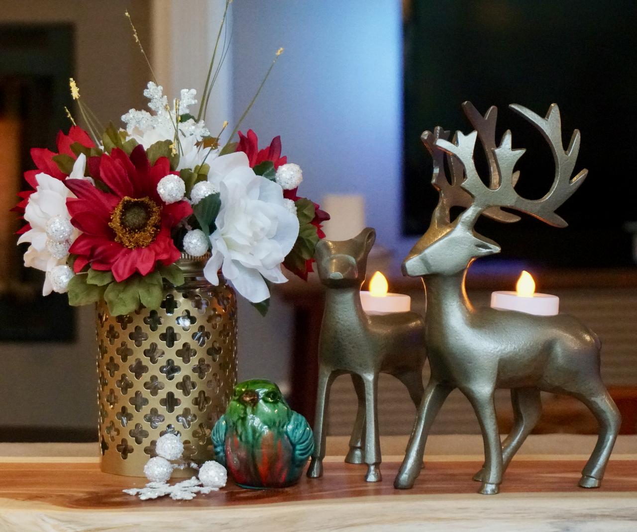 How to Make a Mason Jar Floral Arranger