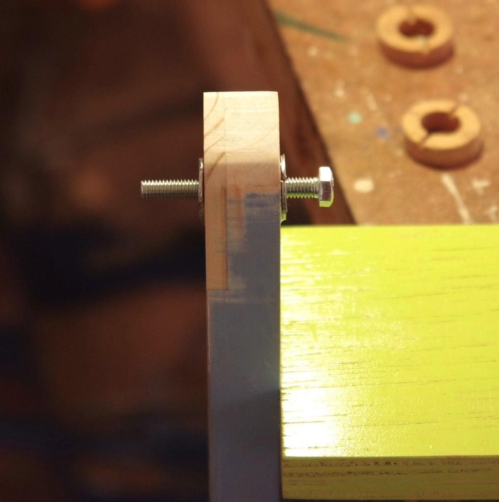 Construction: Bracket/mounting on Left Hand Side