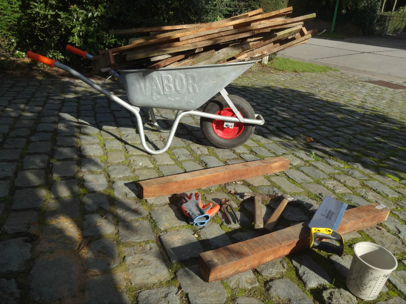 Dismantle Your Reclaimed Wood of Choice
