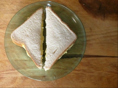 Simple Scrambled Egg Sandwich