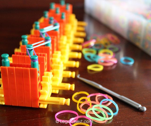 How to build a Rainbow Loom using K'NEX